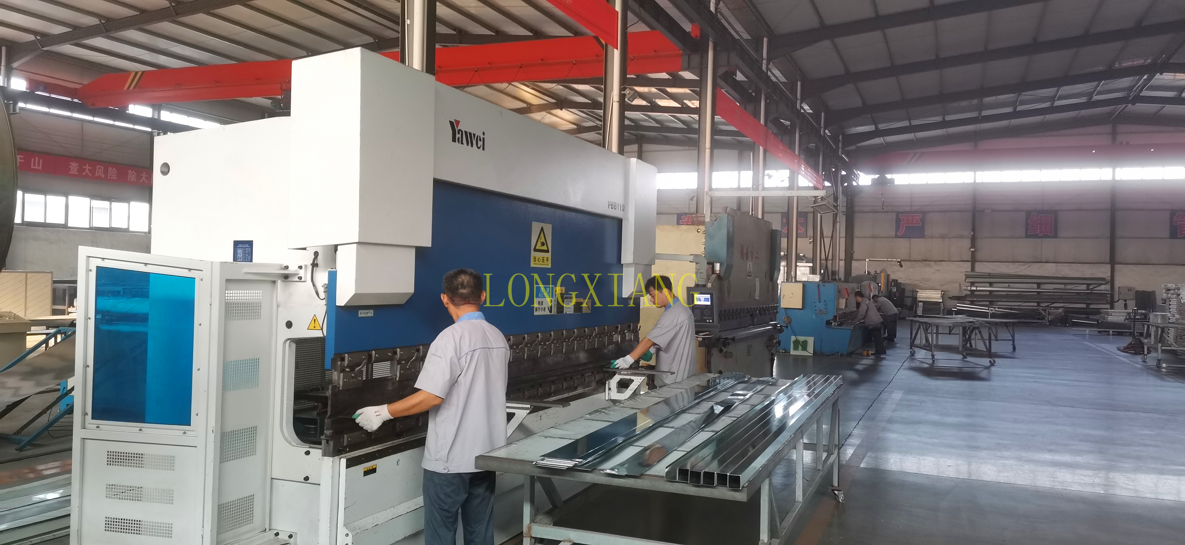 LONGXIANG spray booth workshop share with you