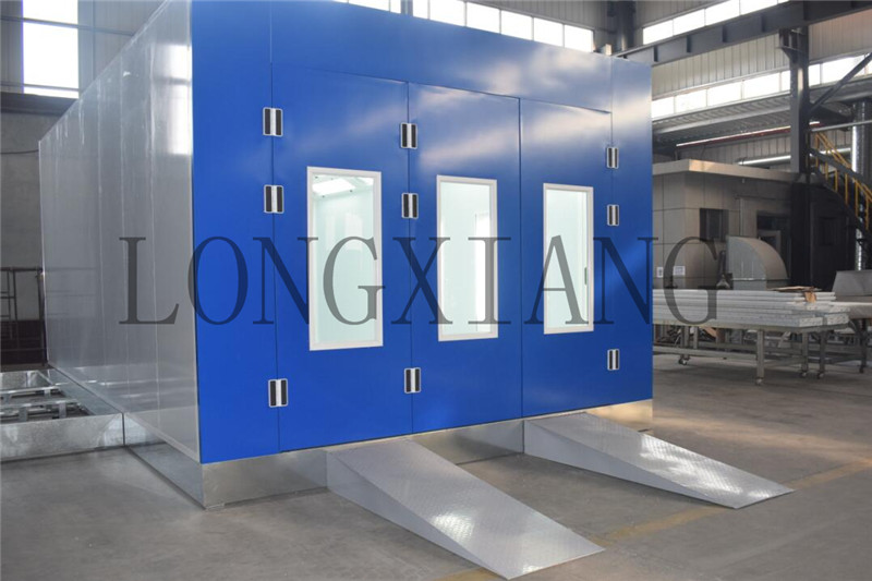 Hot economical model car spray booth installation in Longxiang workshop .